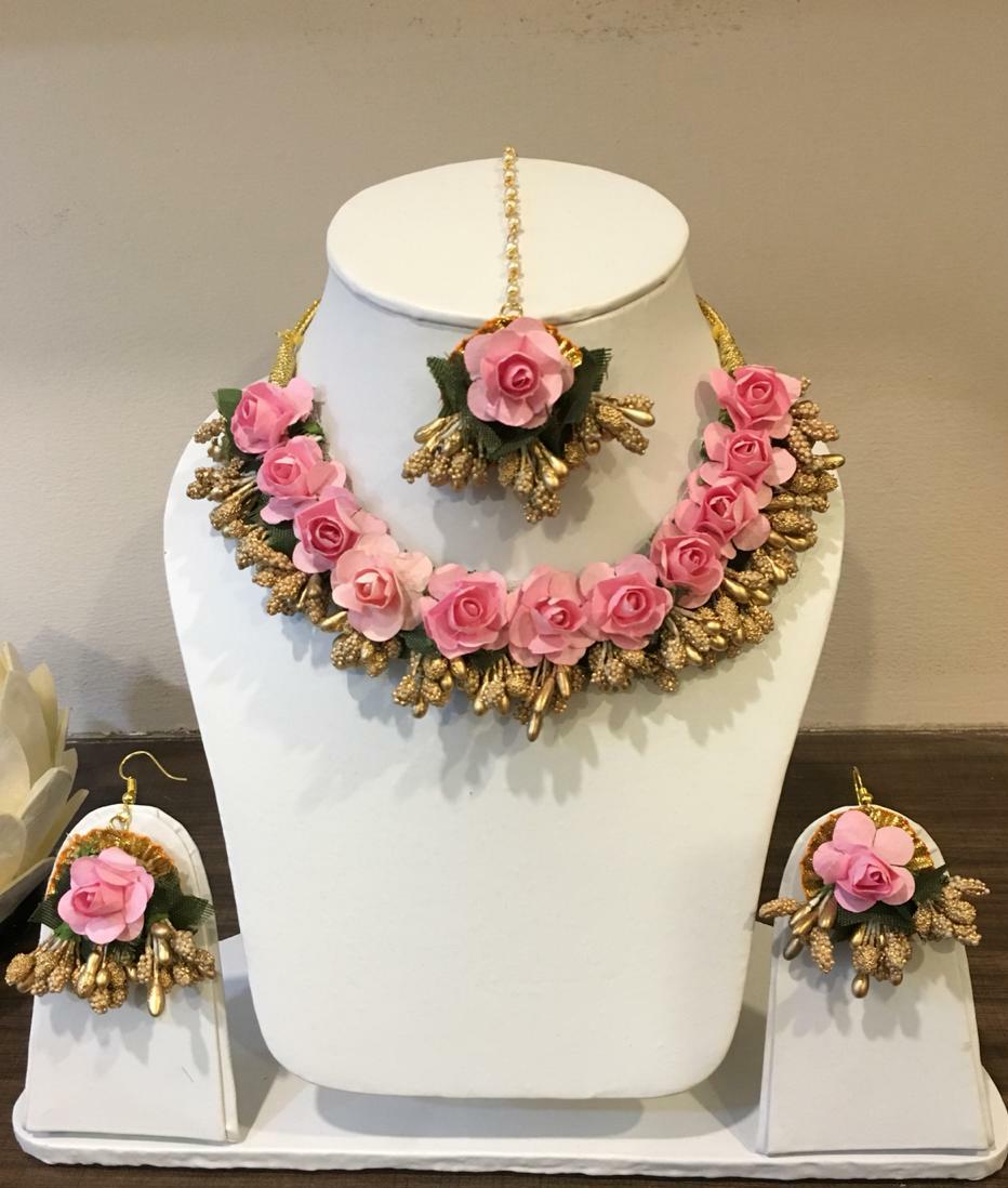 Pink floral necklace for haldi – Mango